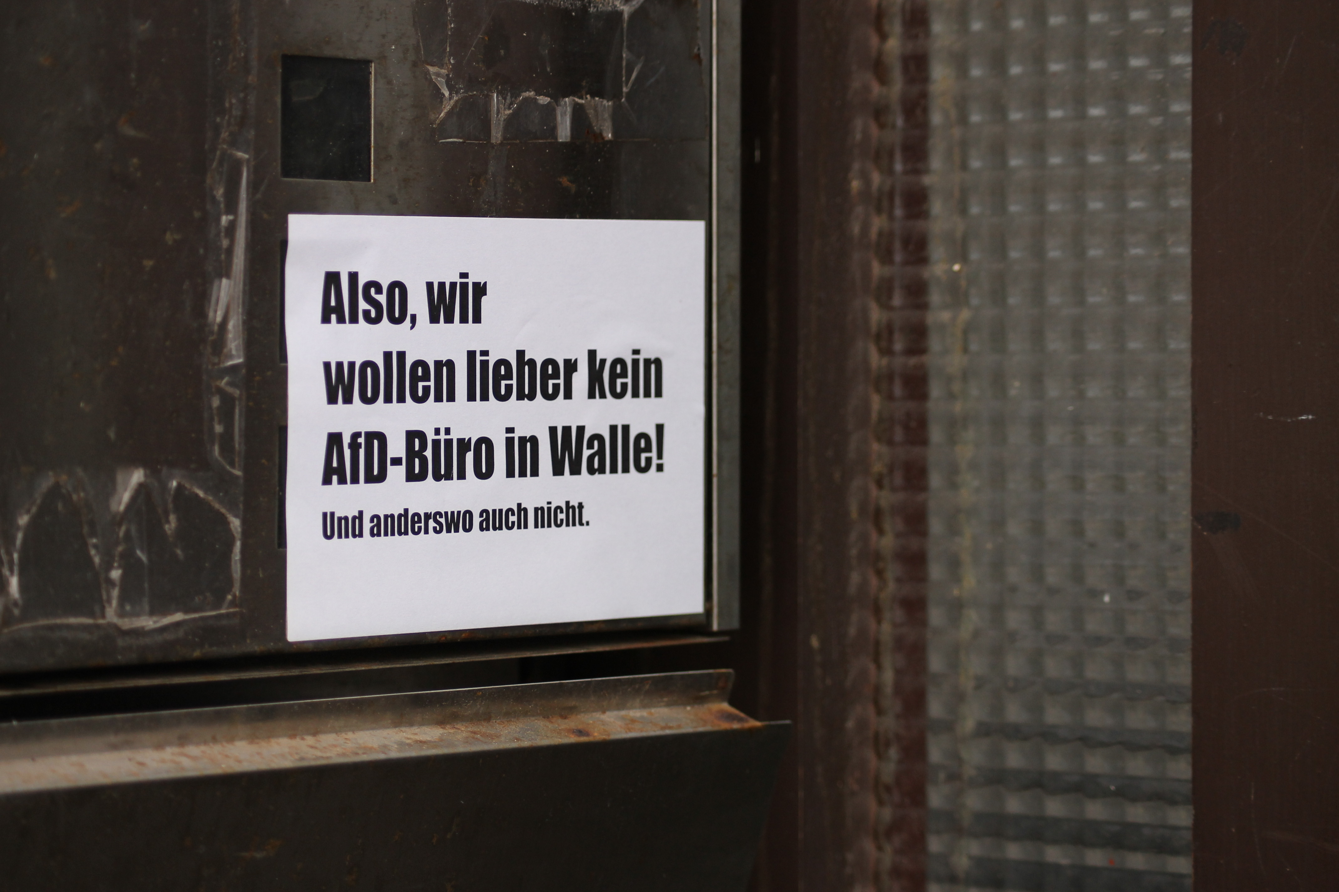 Protest gegen das AfD-Büro in Walle